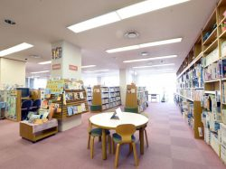 甲斐市立敷島図書館 甲斐市 図書館 3