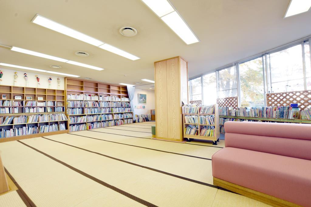 甲斐市立敷島図書館 甲斐市 図書館 4
