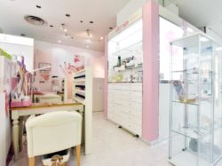 Nail&Eyelash allonge 甲府岡島店