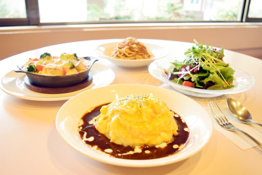 森の洋食屋 ラ・カパンナ 北杜市 洋食 1