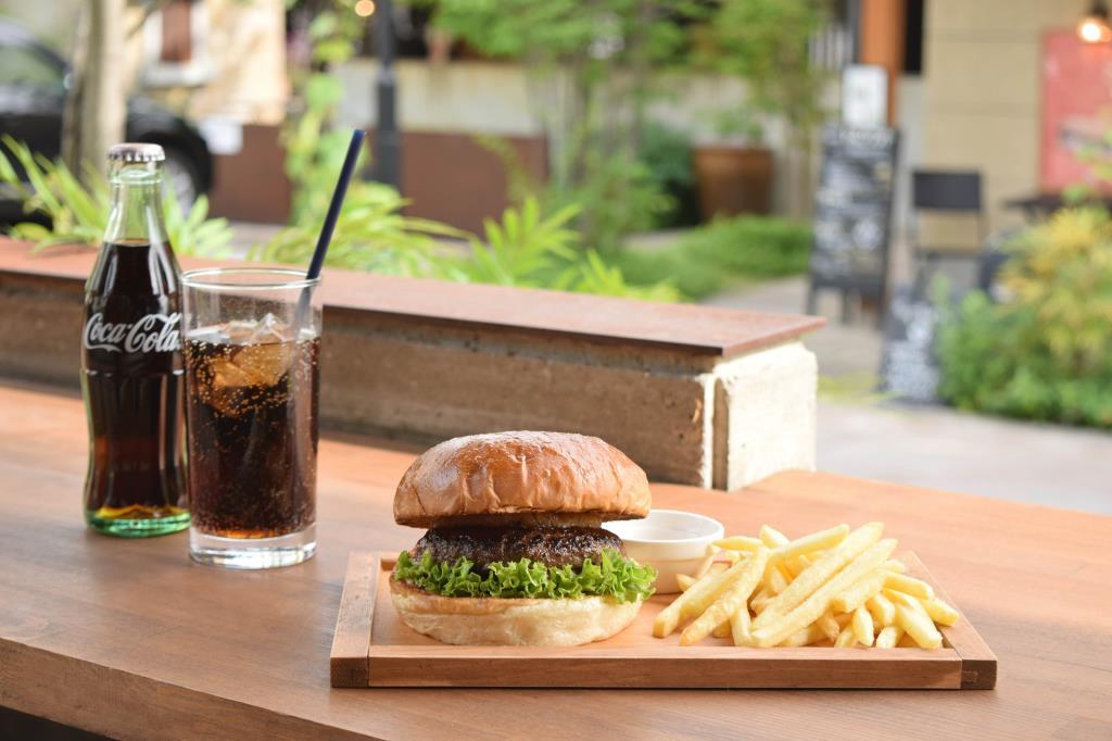 Back Country Burgers 甲州夢小路店 甲府市 カフェ/喫茶店 1