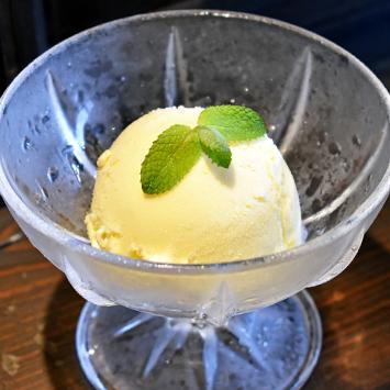 中屋珈琲店の吟醸アイスクリーム