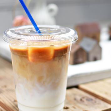 ロジ 寺崎コーヒーのアイスラテ