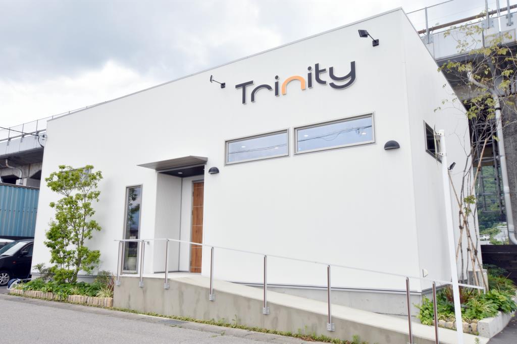 Trinity hairstudio 富士吉田市 美容院 1