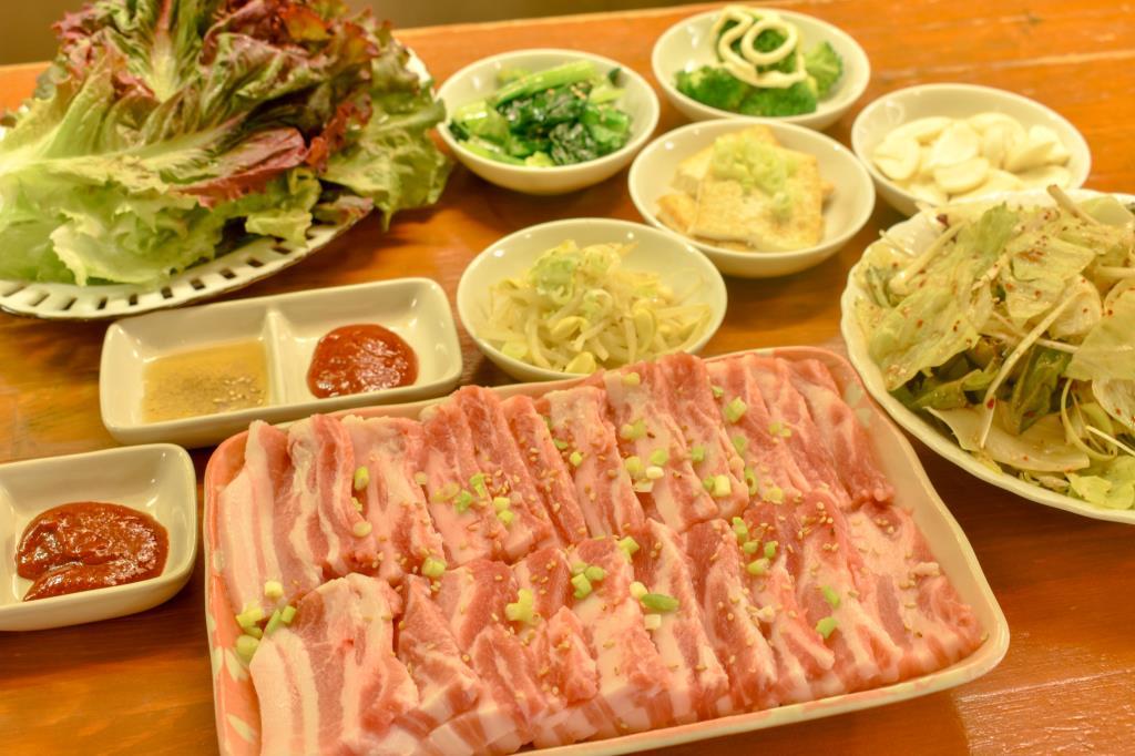 韓国家庭料理&居酒屋 眞味 富士吉田市 グルメ 各国料理 1