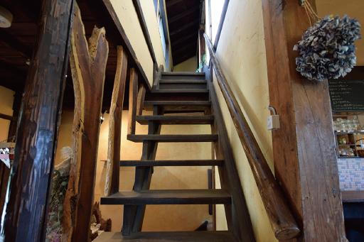 農カフェ hakariの階段