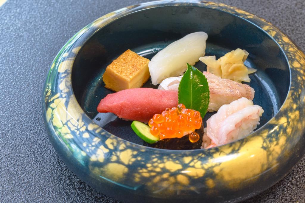 寿司・割烹 いづ屋 山梨市 グルメ 和食 2