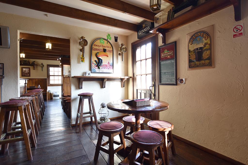 Irish Pub BULL&BEARの内観