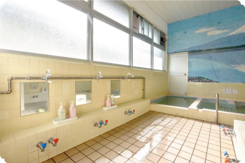 石和温泉の浴室
