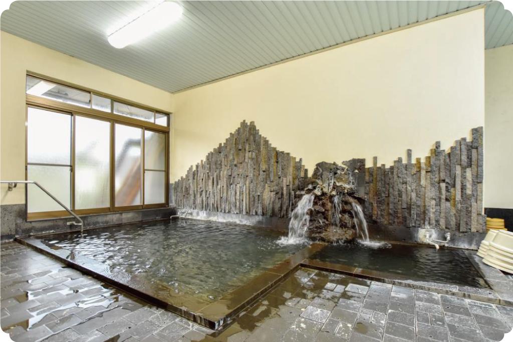 熔岩温泉の浴場
