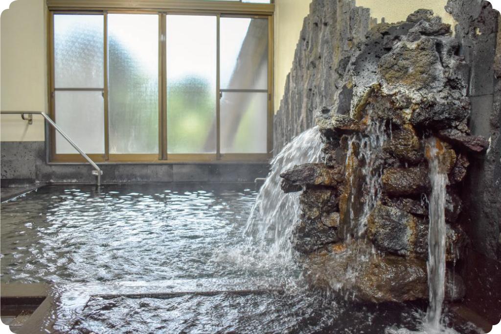 溶岩温泉のサムネイル
