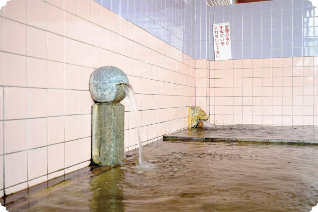 新遊亀温泉のライオン