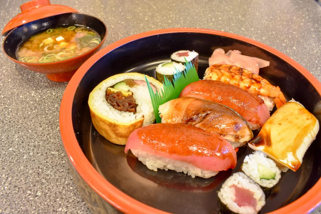 魚そう 中道分店 甲府市 寿司1