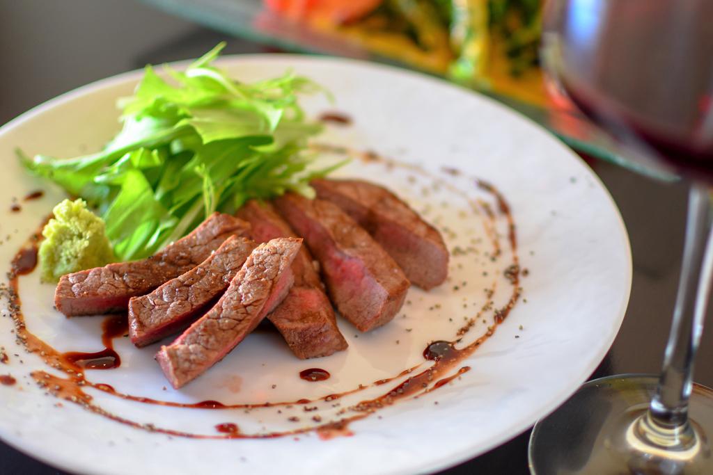 鉄板酒場 き楽の牛フィレのステーキ