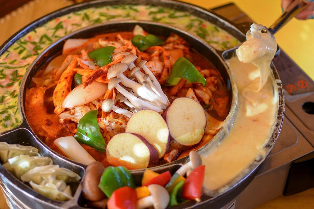韓国料理 ジャーメのチーズタッカルビ