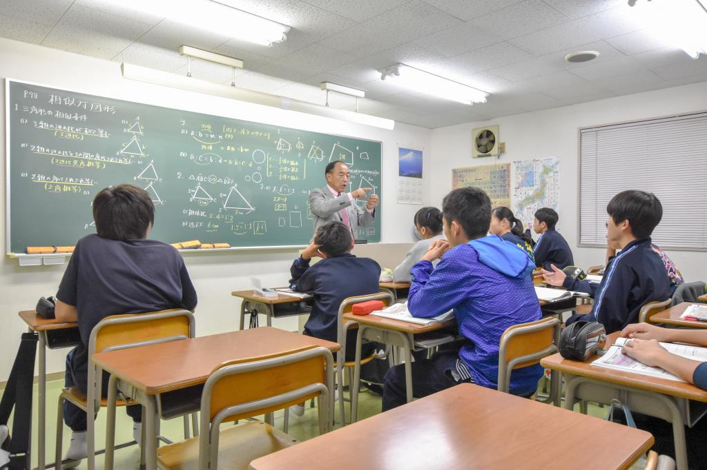 キャンパスV 総合進学予備校 甲斐市 塾 語学 3