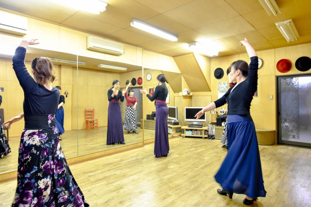 Estudio Amparo 保坂フラメンコ教室 富士吉田市 遊ぶ学ぶ 2