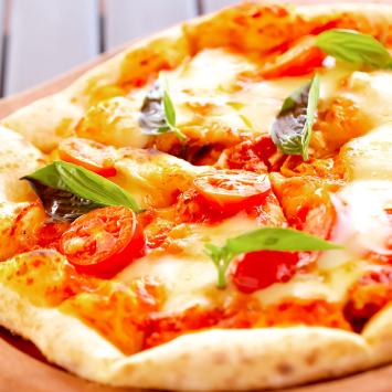 トマトとモッツァレラチーズのPizza