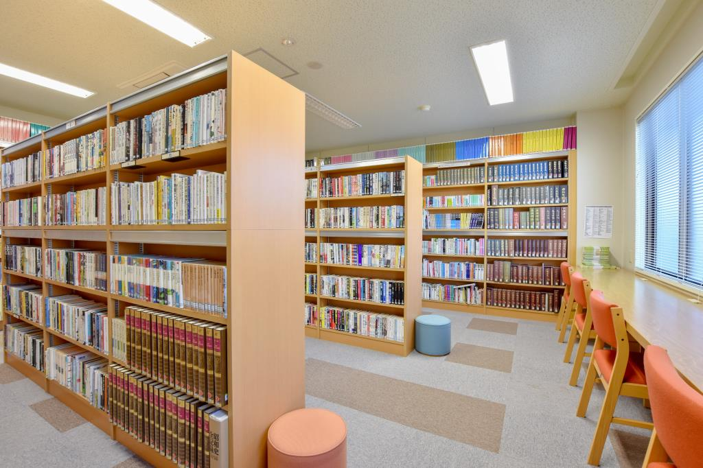 豊富図書館(分館) 中央市 文化施設 図書館 2
