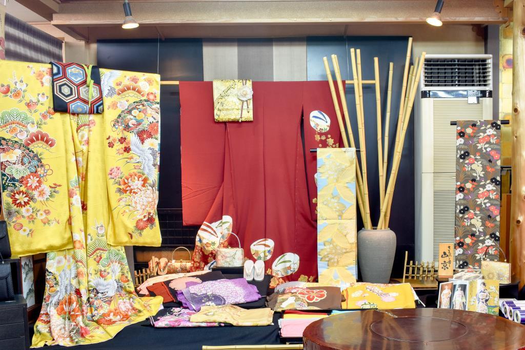 山京・じゅぱんぐ 富士川町 ファッション 3