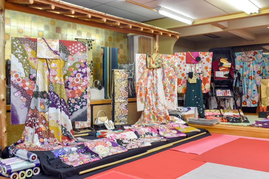 山京・じゅぱんぐ 富士川町 ファッション 4