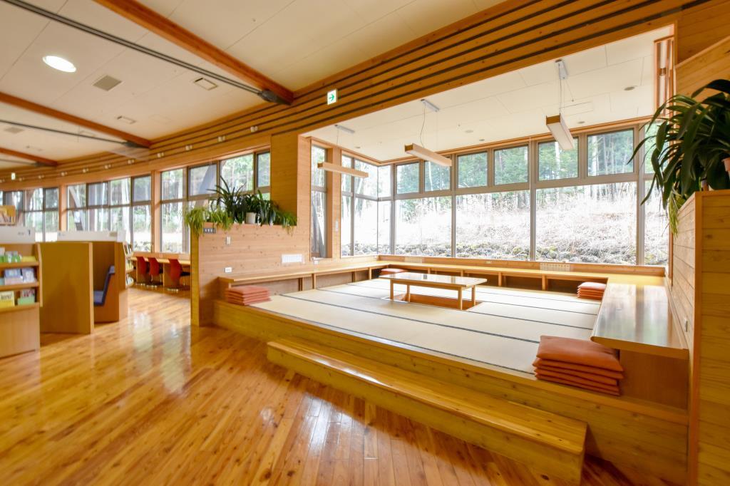 富士河口湖町 生涯学習館 富士河口湖 文化施設 3