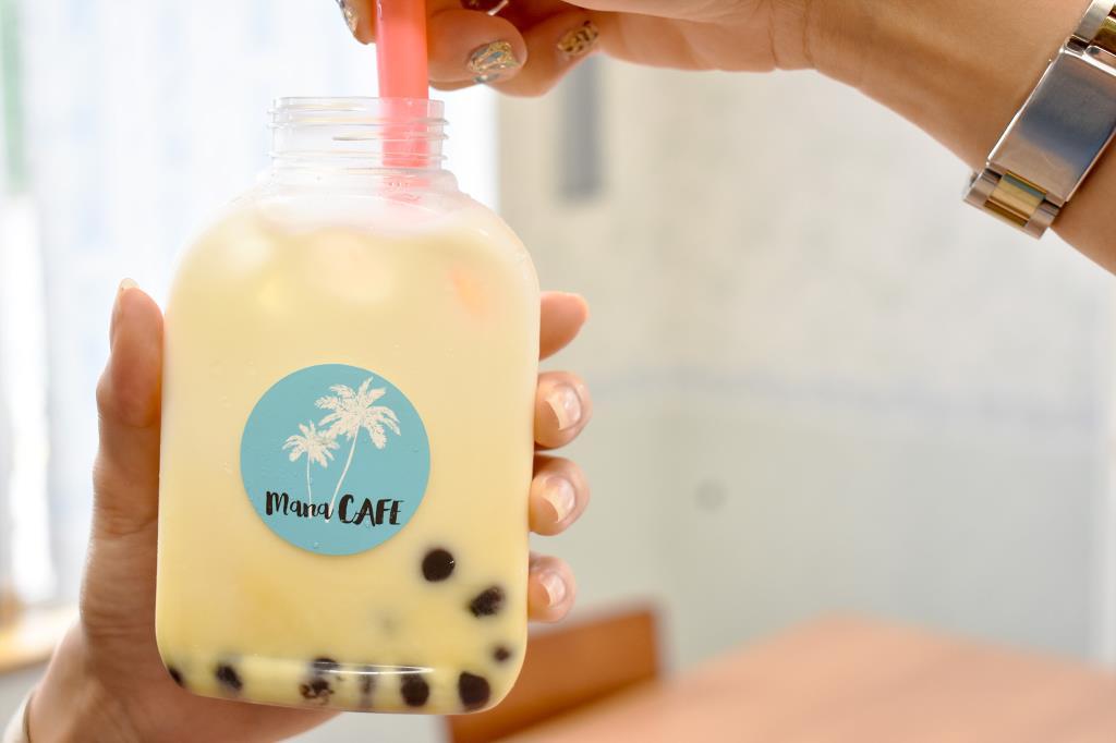山梨のタピオカドリンク mana CAFÉ