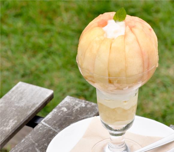 季節のフルーツパフェ