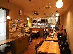 Four Hearts Cafe 甲府市 甲府駅 居酒屋 バー 4