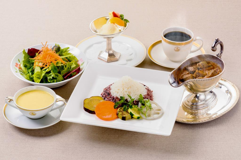 ガーデンラウンジ ラベニュー 富士河口湖町 ホテル 洋食 カフェ 2
