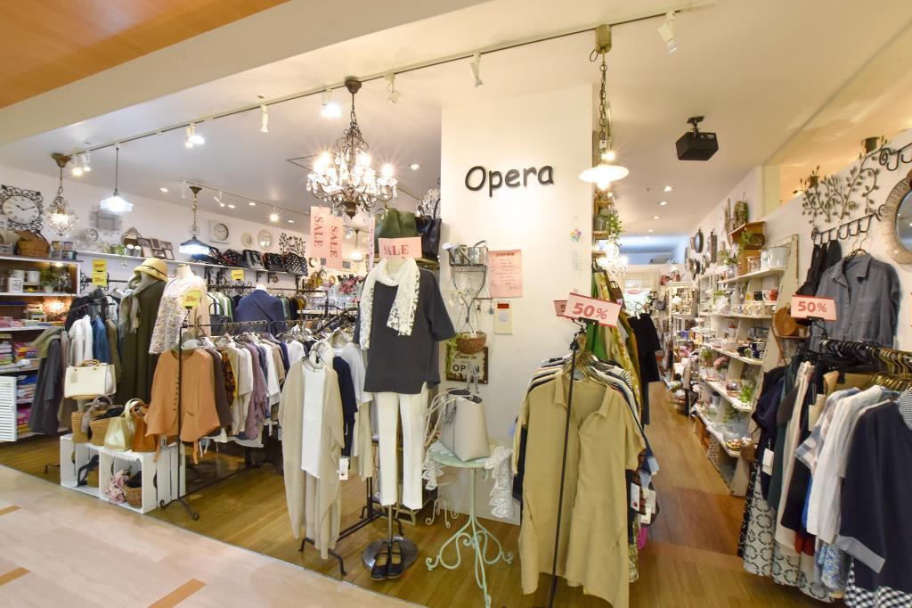 Opera 富士河口湖町 ファッション 1