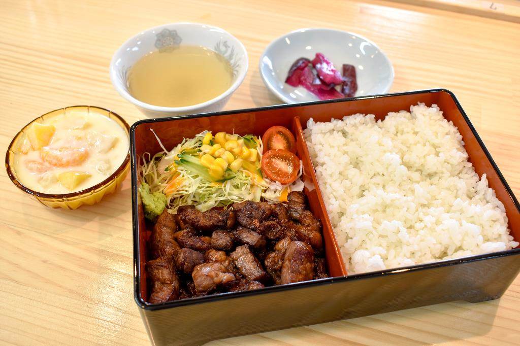 ぶた丼 勝 和食1