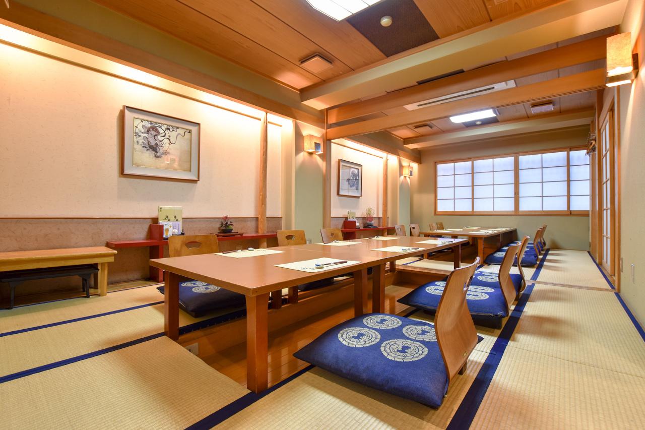 日本料理 釜めし 多ぬきの内観