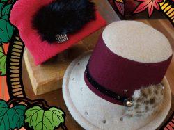 心おどる・紅葉展~紅い帽子~ (創作帽子かよ&かよ)