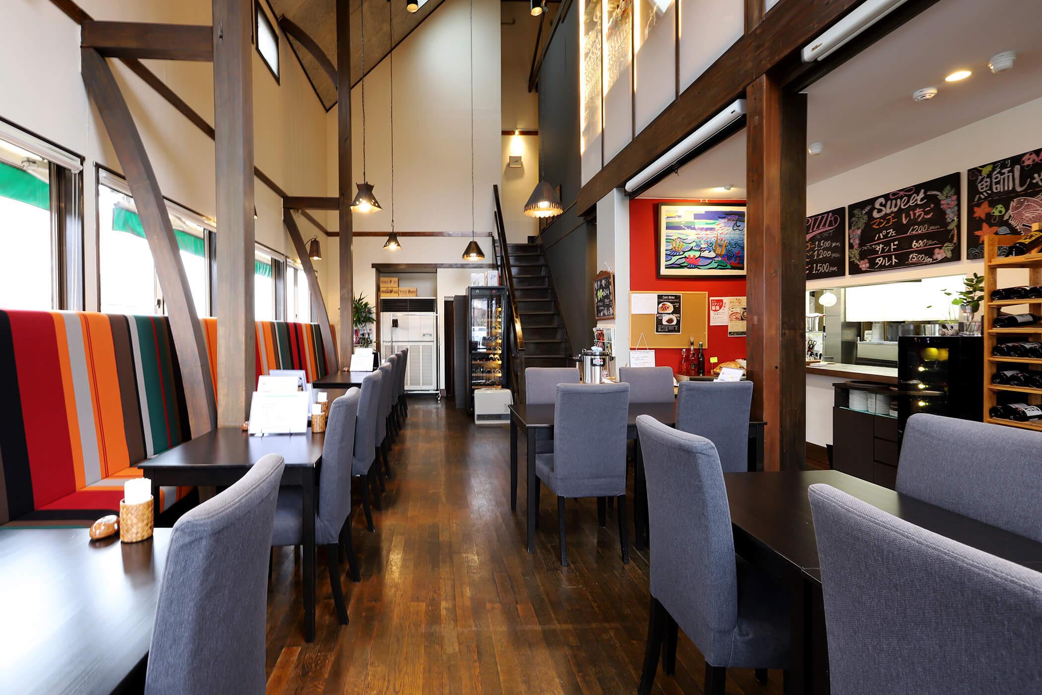 ダイニングレストラン ASYLE 写真2