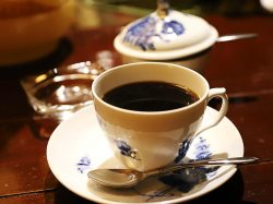 【cafe vol.33】アンティーク香る カフェ ロッシュ