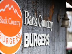 【cafe vol.35】幸せの積み重ね  Back Country Burgers