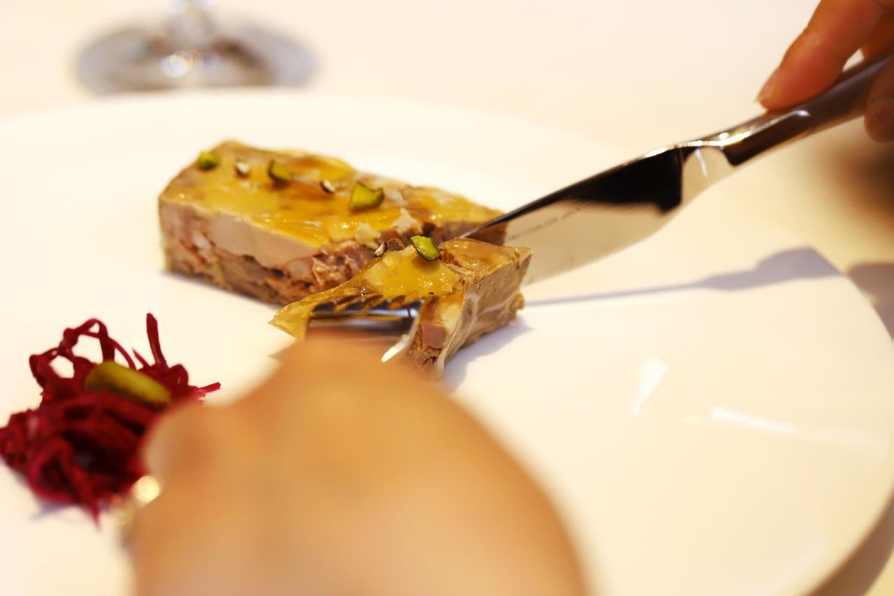 シャラン産鴨とフォアグラのテリーヌ3