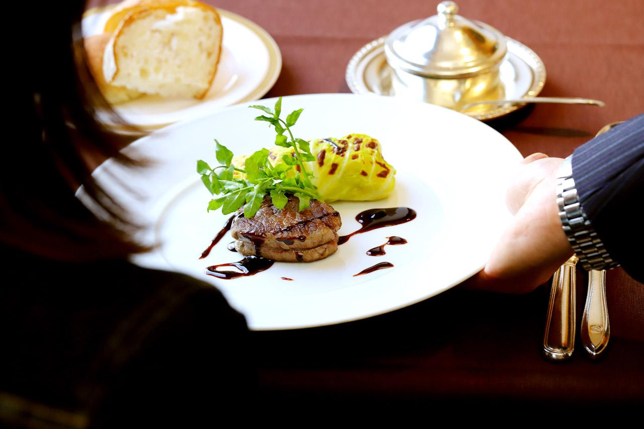 国産牛フィレ肉のポワレ1