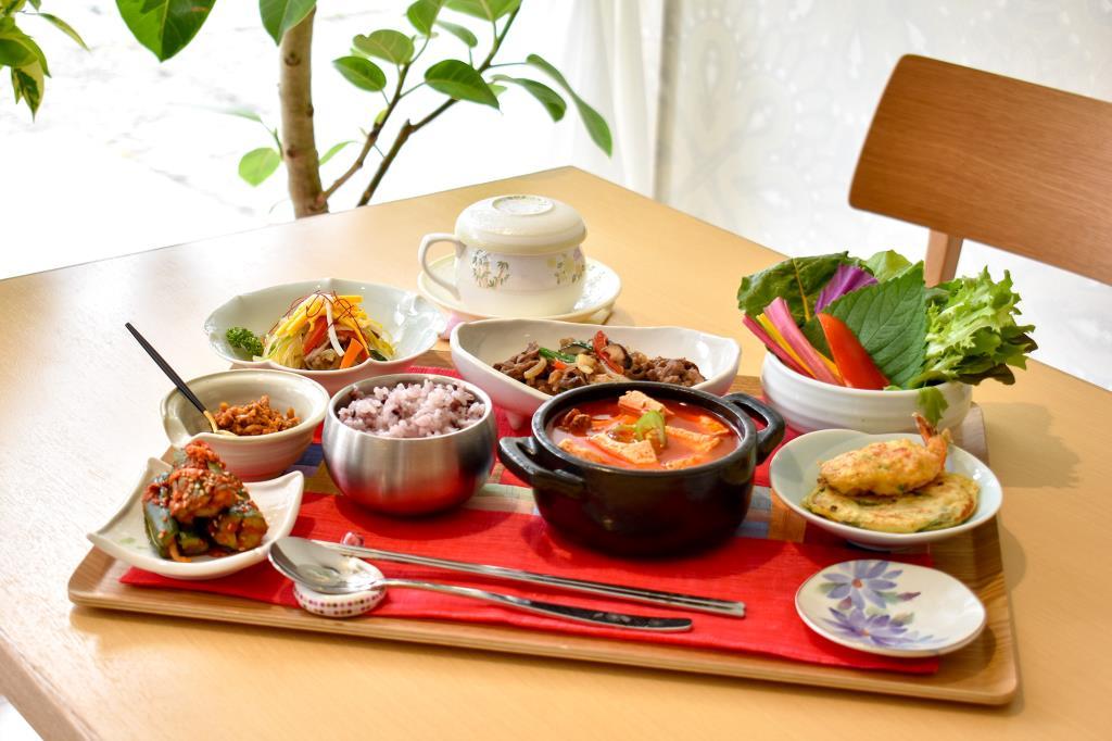 甲府 韓国料理 サランチェ2