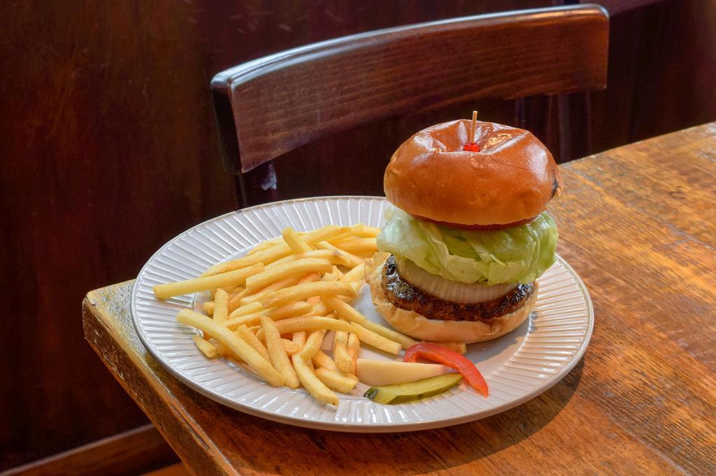 Burger&Pizza GOOD DINER INN COPAIN 北杜市 バーガー・ピザ