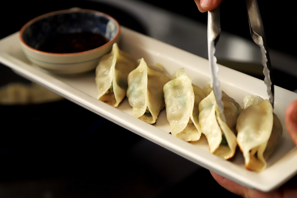 豊鮨の餃子1
