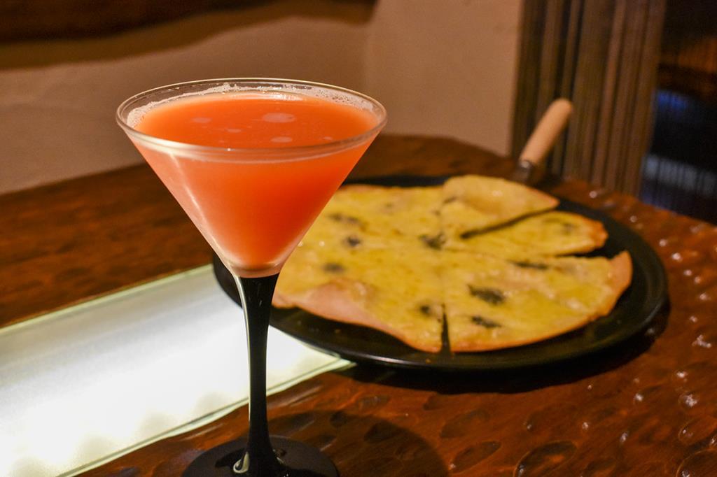 Dining&Bar Cooliya 富士河口湖町 バー