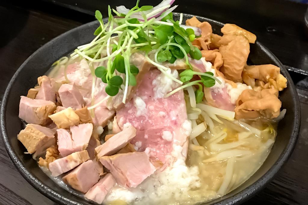 ガッツリらぁ麺ゆら吉 甲府 ラーメン