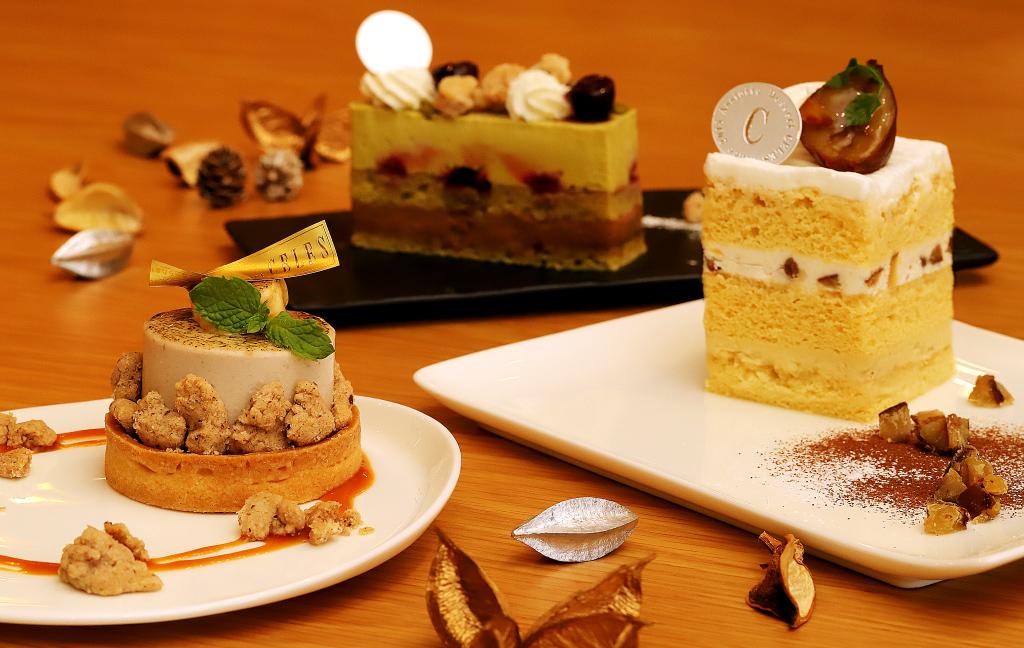 アシェット デセール セレスのケーキ「キャラメルバナーヌ」「和栗のショート」「ピスターシュ」