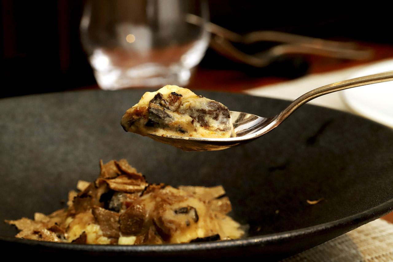 イタリア産フレッシュトリュフとロワイヤル 茸の芳香