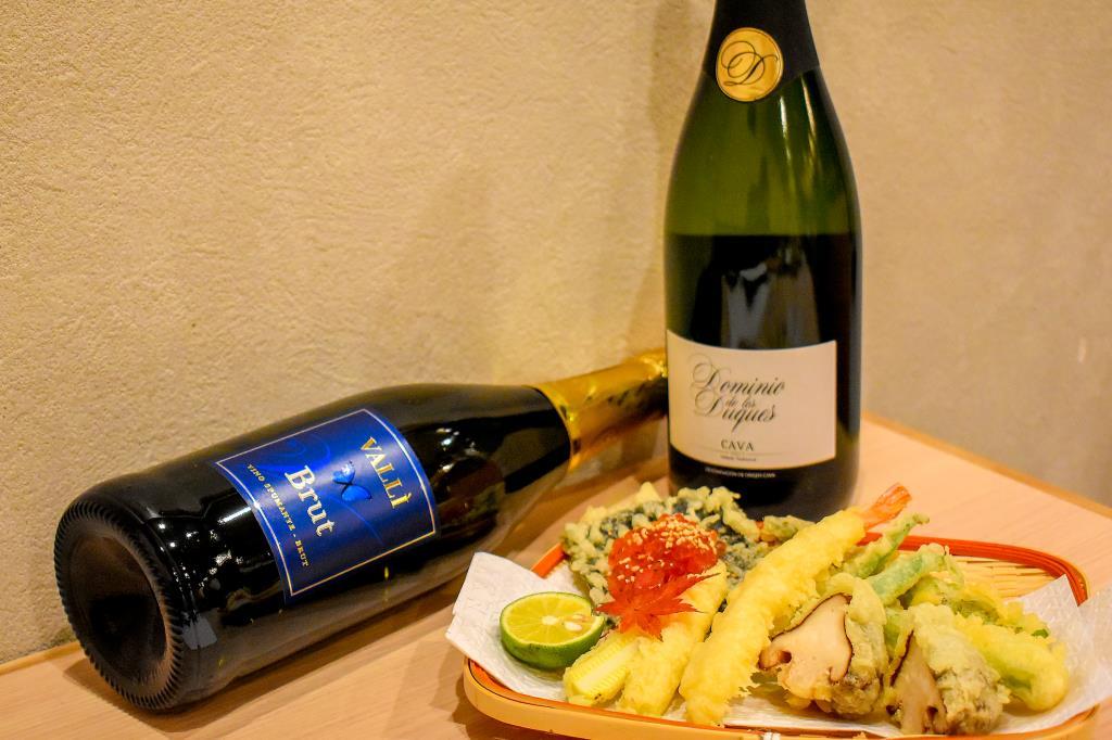 串天とシャンパン ひこ処の 甲府 居酒屋