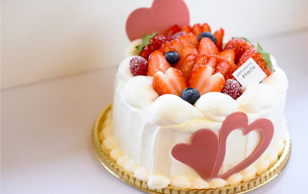 ハートのデコレーションケーキ