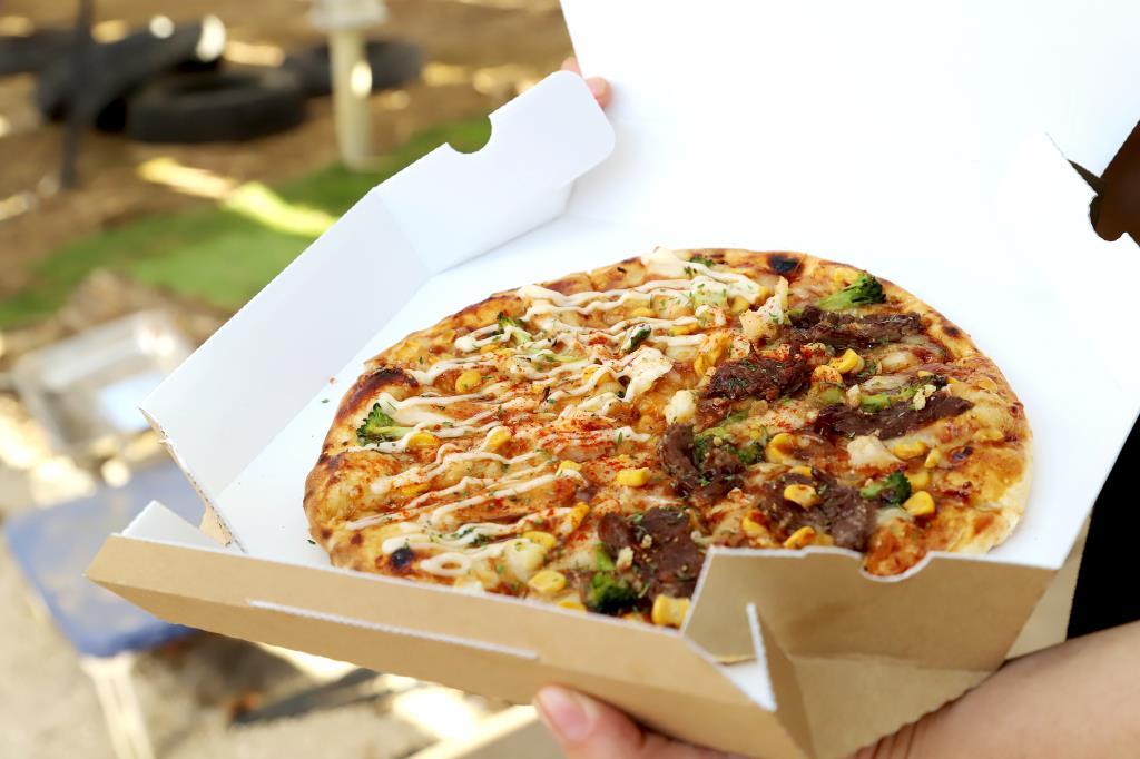 北杜市のキッチンカーSTピザ&STコーヒー