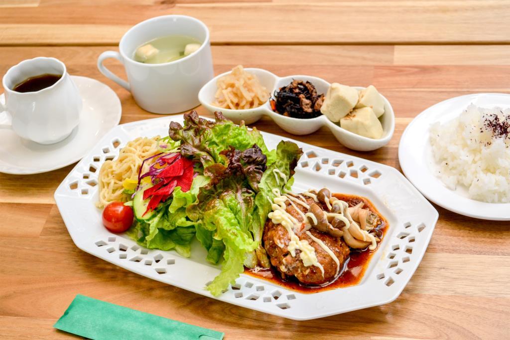 食事&CAFÉ とみー 笛吹市 和食・洋食